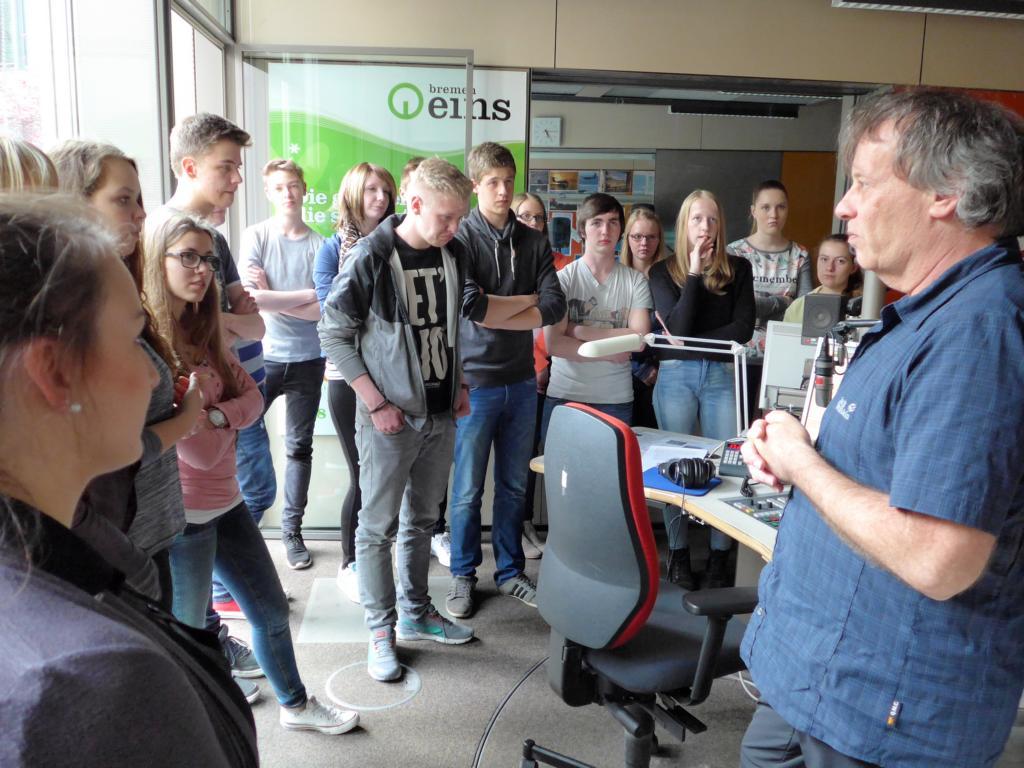 Seminarfachkurs besichtigt den Sender Radio Bremen