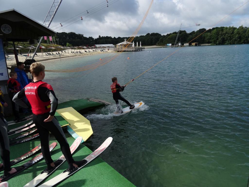 """Wasserskifahren im """"Beachclub Nethen"""""""