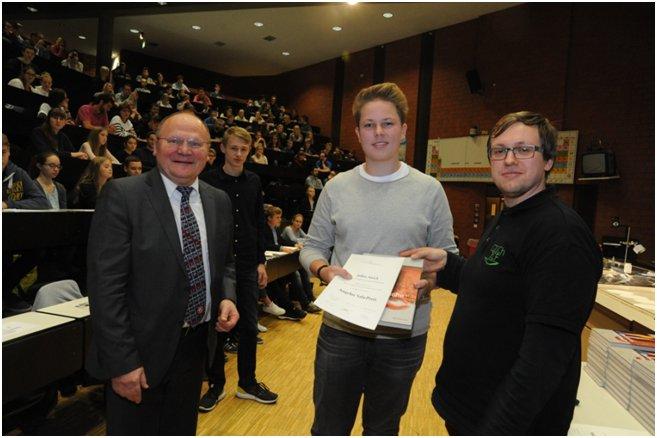 Julius Awick erhält Angelus-Sala-Preis 2016