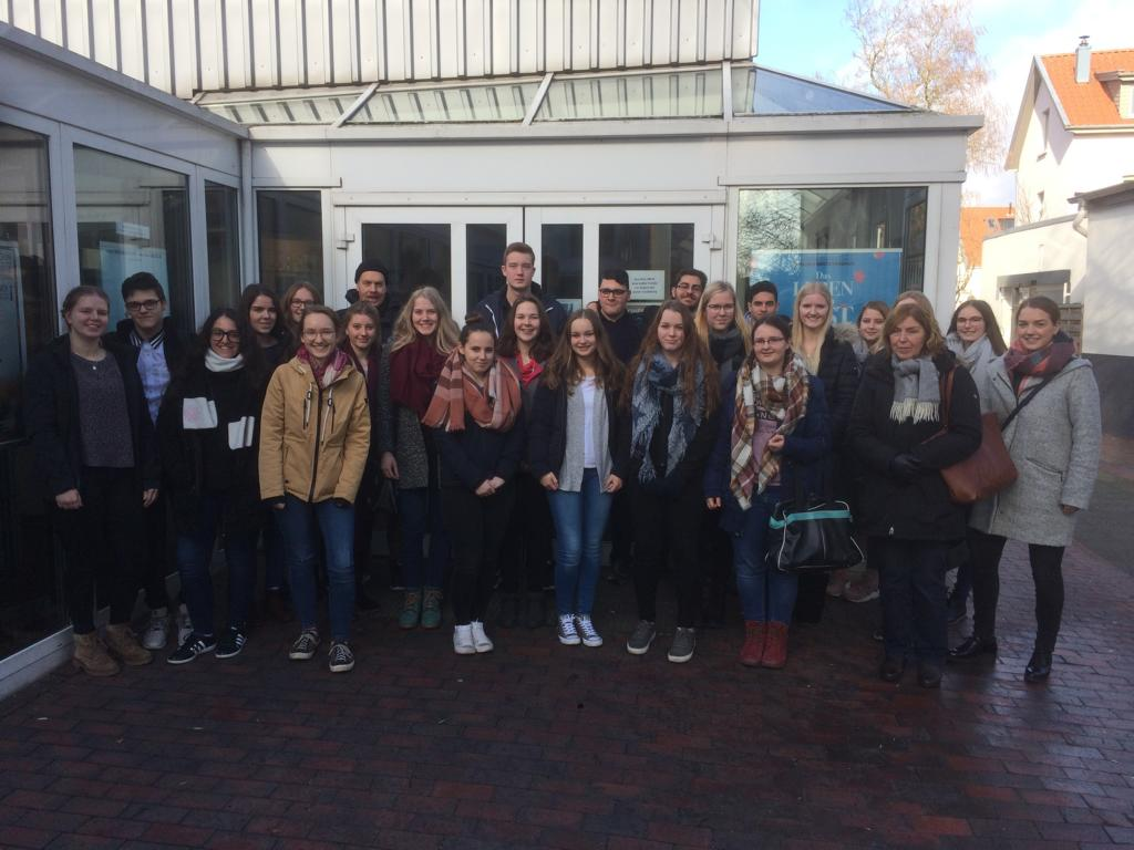 Exkursion der Jahrgänge 10 und 12 zur Cinéfête nach Oldenburg am 16. Februar 2018