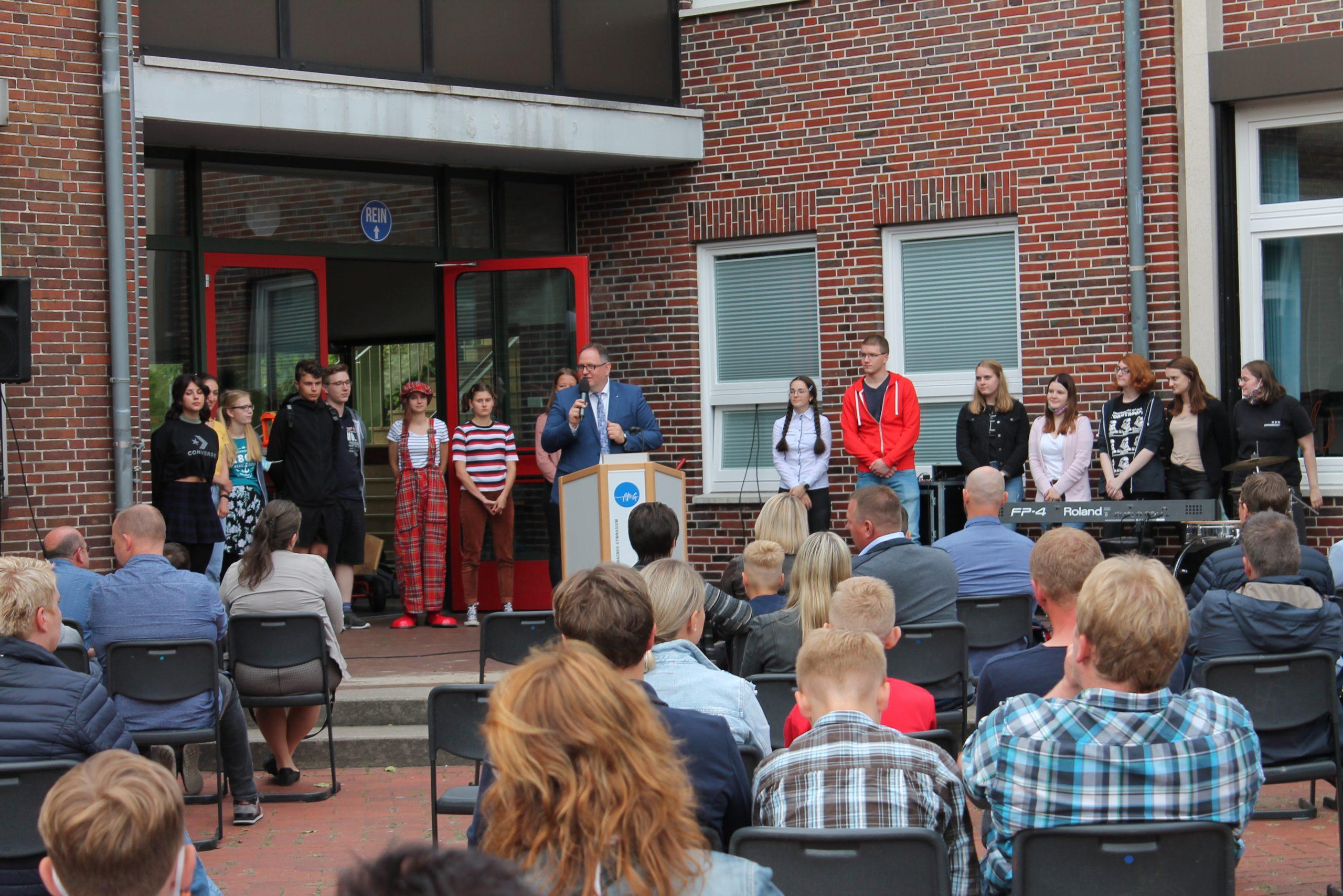 Neue Schülerinnen und Schüler gut am AMG gestartet
